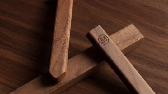 FiftyThree-Pencil_Walnut-material