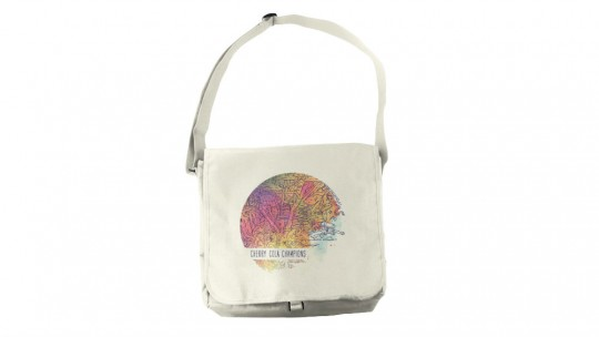 Mockup this Messenger Bag!